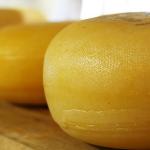 Cum falsifică brânza din România producătorii: pe față!